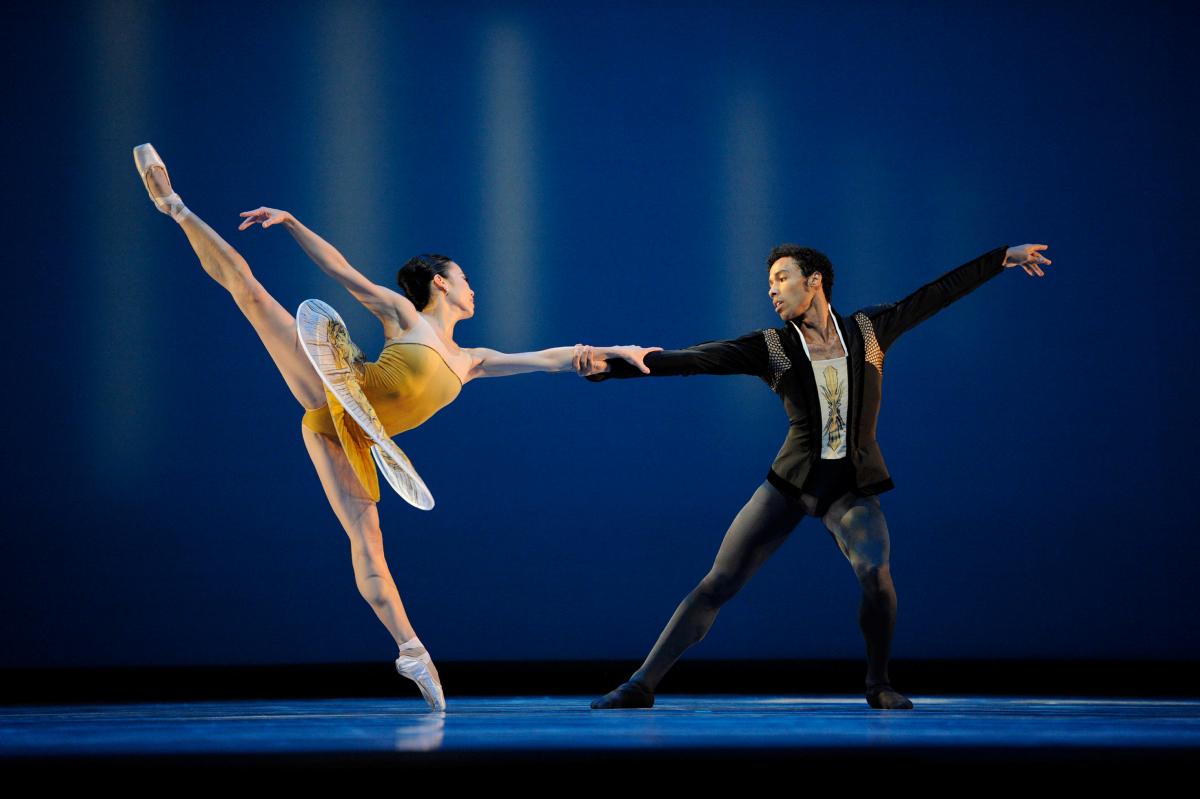 Frances Chung and Daniel Deivison-Oliveira in Possokhov's Classical Symphony // © Erik Tomasson