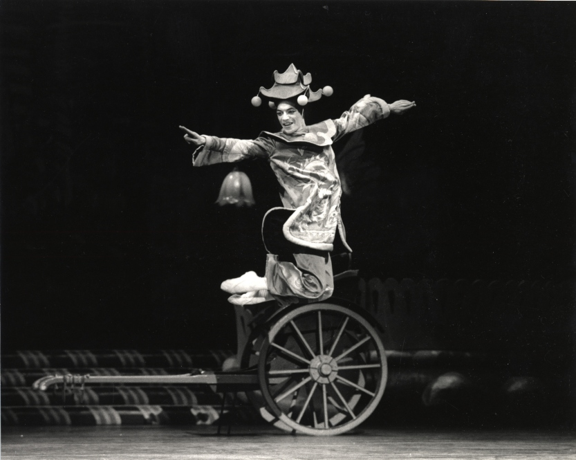 Julian Montaner in Lew Christensen's Nutcracker (© Marty Sohl. Courtesy of the Museum of Performance + Design, San Francisco)